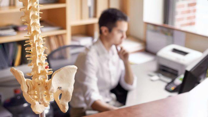 Osteo vs Physio